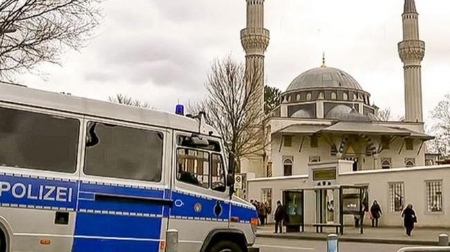 Almanya'da 2 bin 800 camiye saldırı tehdidi!