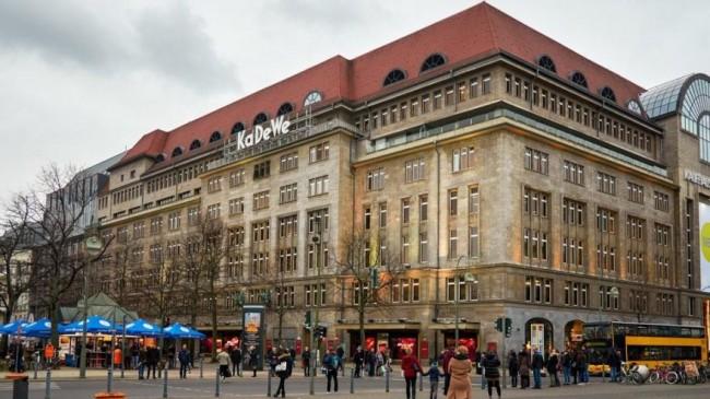Almanya'da AVM zinciri davayı kazandı, dükkanlar açılıyor